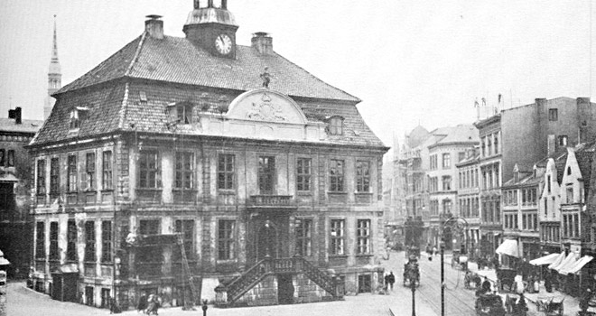 altonaer-rathaus-1900